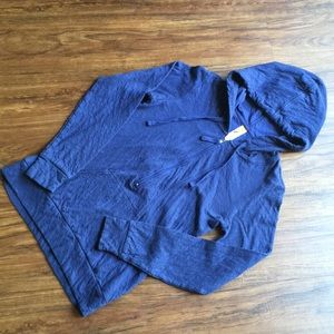 Lucy 3/4 zip pullover with thumb holes size small
